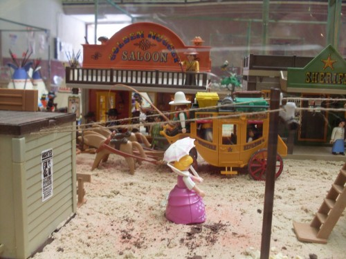 exposicion de playmobil y pendones en Castrocalbon 084 (1)